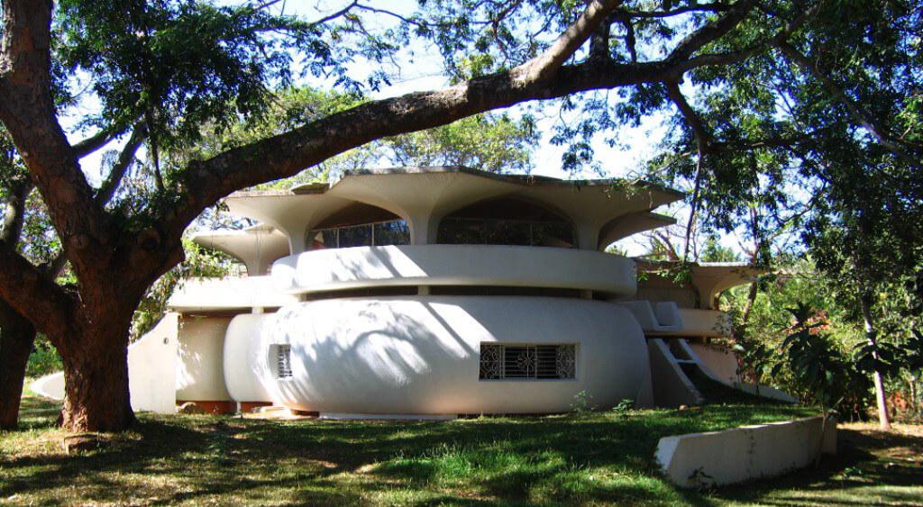Bioconstrução em Auroville